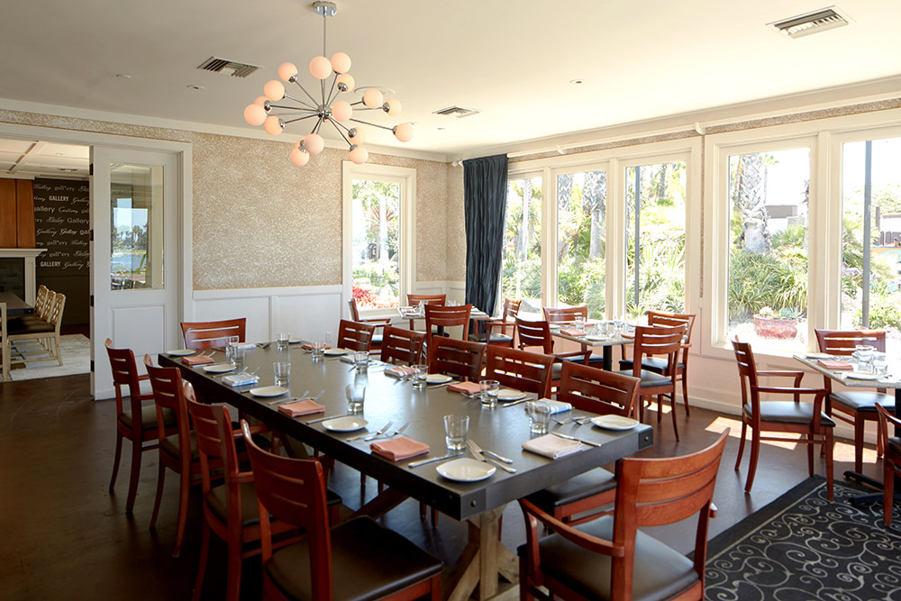 restaurant interior architectural photo