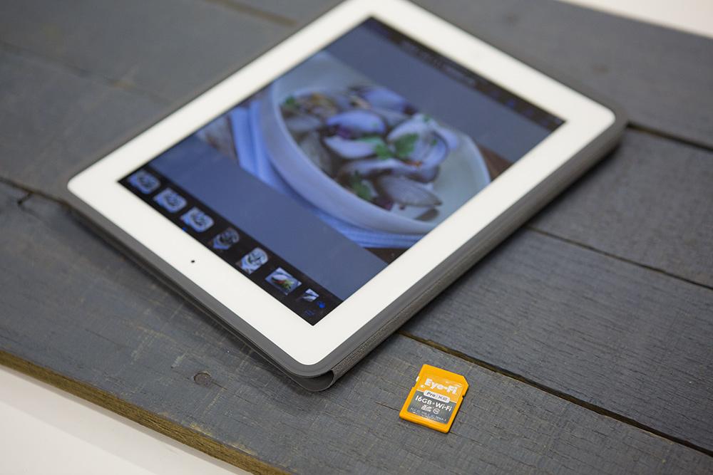 ipad with eye-fi card